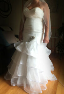 Maggie Sottero Cheyenne Wedding Dress + Hair Comb & Veil