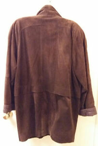 BEAUTIFUL CHOCOLATE BROWN SUEDE CAR COAT Cambridge Kitchener Area image 2
