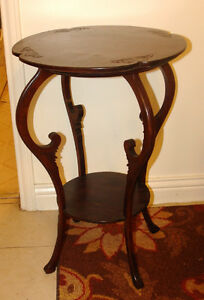 Very good condition occasional table Kingston Kingston Area image 1