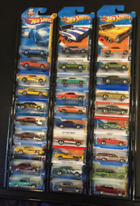 LB031 Hot Wheels Only Pontiac GTO 30 Car Collection Lot NIP