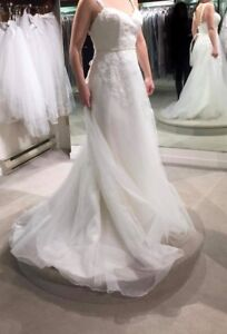 Size 6 Ivory Wedding Dress, Never worn or altered!
