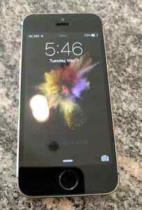 iPhone 5S - Virgin/Bell - Mint Condition - Black - 16 GB