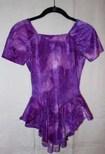Short-sleeved purple skating dress Kitchener / Waterloo Kitchener Area image 1