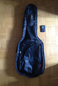 JUNIOR GUITAR LIKE NEW FOR SALE- stand, tuner and Guitar bag too West Island Greater Montréal image 2
