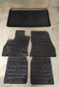 Fiat 500L Winter Car Mats and Cargo Tray