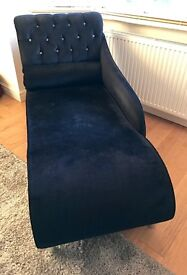 Chaise Longue in Black Velvet