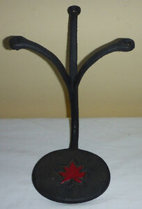 ANTIQUE CAST IRON BUGGY/WAGON/CARRIAGE STEP WITH MAPLE LEAF