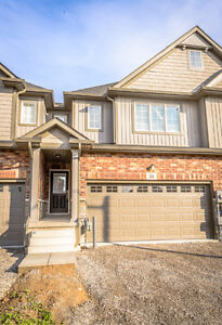 BROCK: NEW HOUSE & 1 MIN TO BUS - 4 & 12 MONTH LEASE AVAILABLE