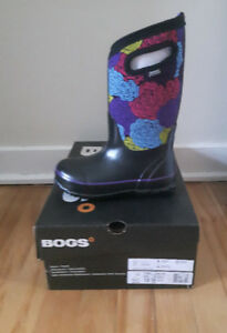 Brand new girls Bogs!