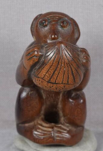 Early 19c netsuke MONKEY with CHESTNUT