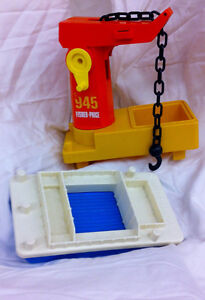 Fisher Price OFF SHORE CARGO BASE boat / crane