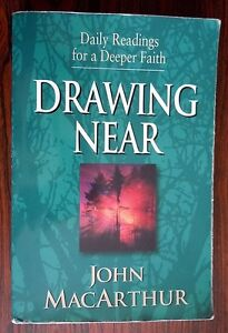 "Daily Devotional Book ""Drawing Near"" by John MacArthur Kitchener / Waterloo Kitchener Area image 1"