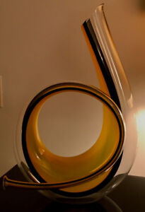 Exceptional horn decanter