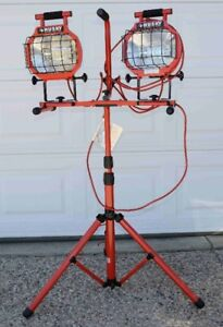 Husky Double Work Light and Stand 110 Volt