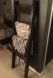GORGEOUS POTTERY BARN INSPIRED BLANKET LADDER
