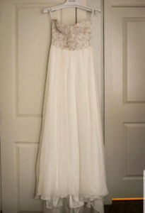 "Kleinfeld Anne Barge ""Lily"" wedding dress for sale!"