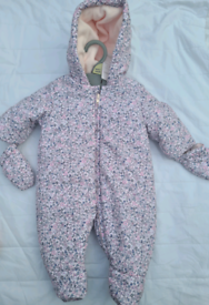 Baby flowery detail bodysuit suit-up to 1 month