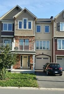 303 SWEET GRASS CI, Ottawa K2C 3H2 for rent