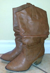 Ladies size 6.5 Brown dress boots