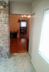 Classic,Charming,3 bedroom, 2nd Floor w/ net loft and laundry