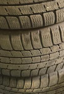 4 winter tires for sale / 4 pneus d'hiver à vendre