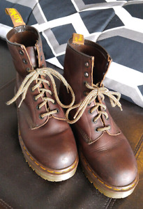 NEAR NEW DOC MARTENS SIZE 10 MADE IN ENGLAND