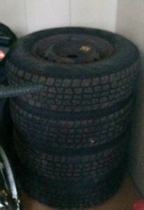 4x Avalanche 205/75R14 Snow Tires