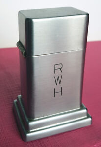 COLLECTIBLE VINTAGE ZIPPO BARCROFT TABLE LIGHTER