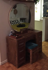 Antique Furniture: Vanity & Bench ***GREAT CONDITION***