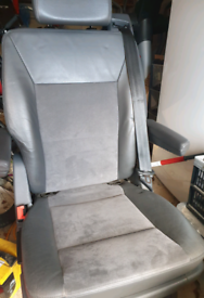 VW T5 Caravelle Exec Rear Swivel Captain Seat Leather/Alcantara