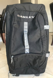 EUC - Oakley LUGGAGE - LARGE $80 each or 3 for $200