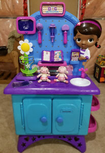 Collectible Doc McStuffins Get Better Checkup Center Playset