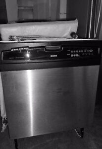 SS Kenmore Dishwasher in very Good Condition