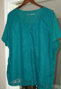 size 3X ladies lace front t-shirt style top