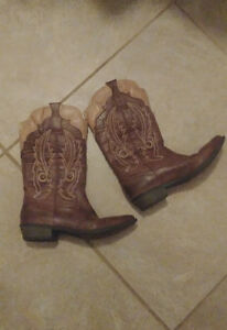 COWGIRL BOOTS $70 OBO