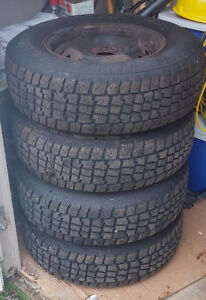4X Avalanche 205 / 75R14 Snow Tires on Rims