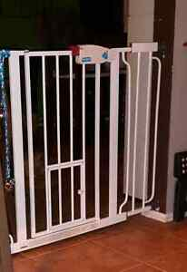 Pet or baby gate