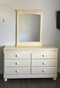 Girl's dresser and night table set