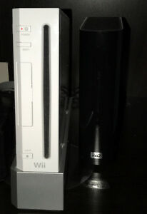 Nintendo Wii - Wii Fit - Tons of Games - Accessories