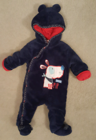 BABY'S NAVY FLEECY PADDED HOODED PRAMSUIT SIZE 0-3 MTHS