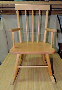 Baby Rocking Chair in great shape. My baby has outgrew it.