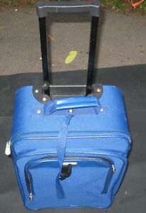 SMALL TRAVEL CASE FOR TRAVEL VACATION !!! Cambridge Kitchener Area image 1