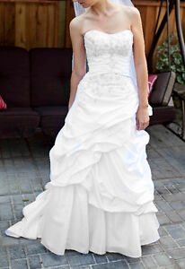 Size 2 Wedding Gown