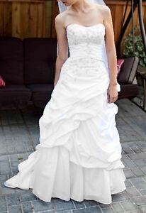 Size 2 Wedding Gown