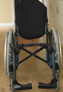 Fauteuil roulant Elyo, ultra léger\ Elyo Wheelchair, Lightweight