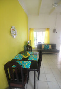Sunny Condo 1 Block from the Beach - JACO, COSAT RICA (sleeps 5)