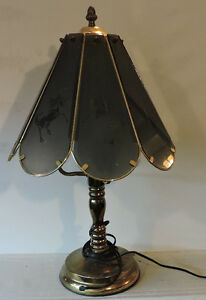 3 Bulb table lamp with tempard glass