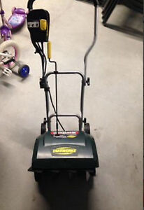 Yardworks Electric Light Weight Snow Blower 9A 16""