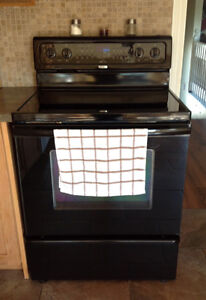 Whirlpool convection stove Cambridge Kitchener Area image 1