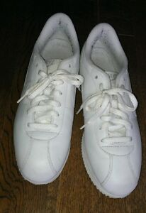 NIKE SHOES BRAND NEW SIZE 11